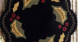 Christmas Wool Table Mat Pattern - Wool Applique Patterns - Winter Decor - Holly Leaves and Red Berries #BMB 1193