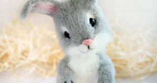 Farmhouse decor, felted bunny, bunny figurine, needle felted animal