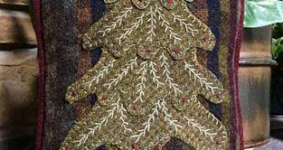 Cricket Street Wool - Applique Pattern - Little Christmas Pillow