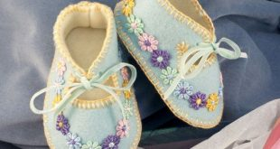 Baby Blue 100% Wool Felt Baby Shoes. Fully Lined. 0-3 months OOAK