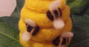 Lovely bees By Tracy Bolton art mrs Bee felts