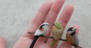 埋め込み画像への固定リンク. Birds on a branch.