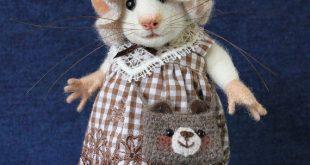 Art Doll Mouse with Bear Bag Soft Sculpture Needle Felted Animal Rat Cute Felt Dollhouse OOAK