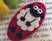 NO SLIP Wool felt hair clip -Fluffy Sheep -raspberry