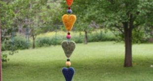 Needle Felting: A Felted Heart Garland or Dangler to Brighten Any Room! Free Tut...