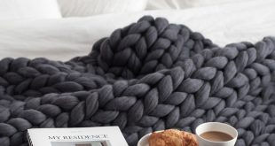 Super chunky wool blanket from Ohhio - Home Decor