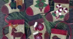 Warm Feet Felt Applique Christmas Ornament Kit Rachel's of Greenfield