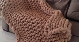 Thick knit blanket. Chunky knit blanket. Chunky knit throw. Merino wool blanket. Arm knit blanket. Super thick chunky blanket. SALE merino