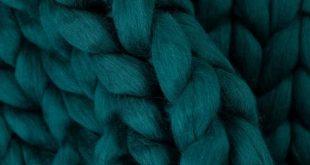 Chunky Knitted Blanket . Dark Green | Chunky Knit Blanket | Merino Wool Blanket | 100% Merino Wool | Giant Throw | Chunky | Arm Knitting