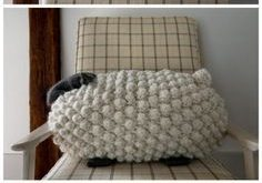 DIY Giant Knit Bobble Sheep Pillow *Free Pattern*This knit... (True Blue Me and You: DIYs for Creatives)