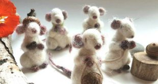 Felt toy mice for children doll house mouse. Pretend dramatic imaginative toys eco friendly all natural. Needle felted animals