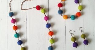 Felted Wool Ball Necklace Set
