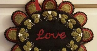 Love My Christmas Wish Wool Applique Kit, Wool Penny Rug Kit, Wool Felt Crafts, DIY Candle Mat Kit, Wool Felt Kit Christmas Embroidery Kit