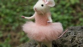 Mouse ballerina, Needle felted mouse, Felted ballerina mouse, White mouse, Needle felted animal, Needle felted miniature, Birthday gift