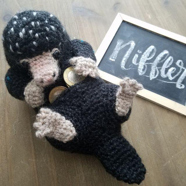 Ravelry: Felted Knit Amigurumi Clam pattern by Lisa Eberhart ... | 640x640