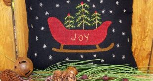 Winter Wool Applique Pillow Pattern, Joy Sleigh and Christmas Sheep Cart #SU110