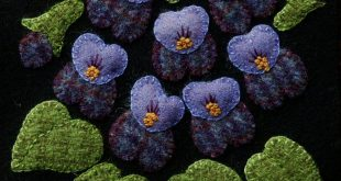 """Wool applique PDF e-PATTERN BOM """"Daffodils"""" one block of 24 """"Four Seasons of Flowers"""" wall hanging wool quilt table runner bed runner rug"""