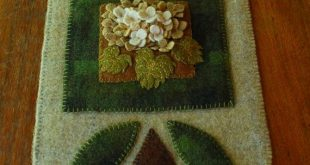 Wool applique hydrangeas wall hanging by HorseAndBuggyCountry