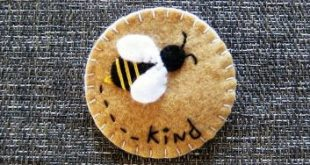 Be kind, sweet felt pin