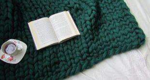 Chunky knit blanket, Knit blanket, Blanket, Wool Blanket, Arm knitted blanket, W...