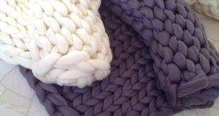 Chunky knit blanket. Chunky knit throw. Arm knit blanket. Super bulky blanket. Merino wool blanket.