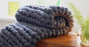 Chunky knit blanket. Chunky knit. Chunky knit throw. Merino wool blanket. Arm knit. Super chunky bla
