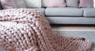 Chunky knit blanket. Premium quality softest merino wool blanket. Organic certified and sustainable chunky knit throw