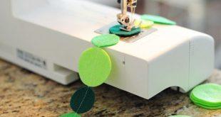 DIY: How to Make a Felt Circle Garland