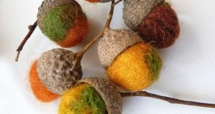 Felt acorns, beautiful, need to make some for christmas
