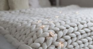 How to Make a Gigantic Knit Blanket in Less Than 4 Hours