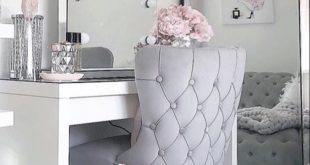 Kayleigh's dressing room over @no40_home_renovation featuring our classic meri...