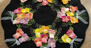 Mother's Day Bouquet Wool Applique Candle Mat