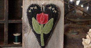 Primitive Folk Art, Mother's Day, Wool Applique, Barn Wood, Prim Wall Hanging, Spring Tulip, Farmhouse