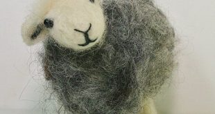 Sheep needle felting kit. Herdwick sheep needle felting kit for beginners. Perfect creative gift for sheep lovers