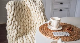 """TODAY ONLY! Chunky Knit Blanket, Chunky Knit Merino Wool Blanket Large 40"""" x 60"""" Throw Blanket, Giant Knit Blanket, Bulky Knit Blanket"""