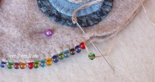ThreeSheepStudio: How To Do A Beaded Blanket Stitch.... Catch bead after comple...