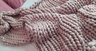 chunky knit blanket. Soft merino wool blanket. Super chunky blanket. Chunky knit blanket. Cozy throw